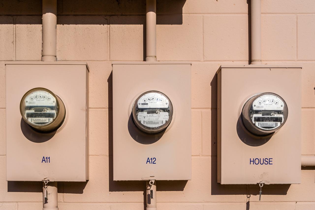 Rozdzielenie prądu na dwa liczniki