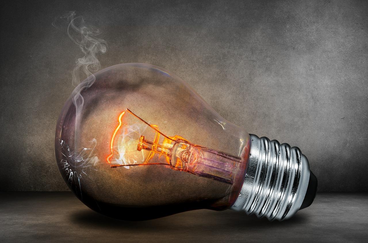 10 powodów dla których Polacy boją się zmienić sprzedawcę prądu / gazu